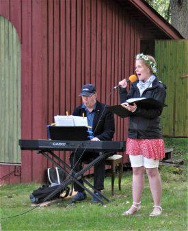 Alexandra Falk sjöng och Lars Nordkvist spelade